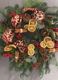 Festive wreath (Traditional with a twist)